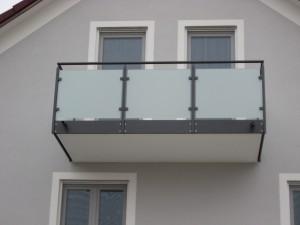 Balkone_Balkongelaender_Glasfuellung_00003