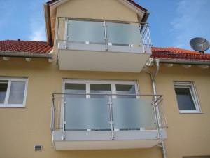 Balkone_Balkongelaender_Glasfuellung_00013