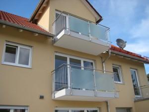 Balkone_Balkongelaender_Glasfuellung_00014