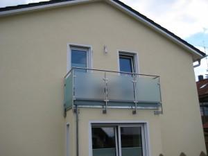 Balkone_Balkongelaender_Glasfuellung_00016