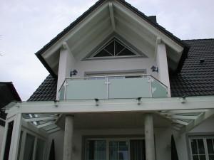 Balkone_Balkongelaender_Glasfuellung_00018