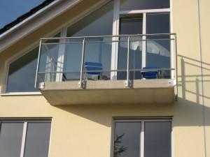 Balkone_Balkongelaender_Glasfuellung_00021