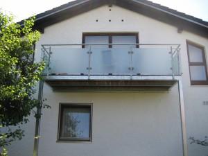 Balkone_Balkongelaender_Glasfuellung_00023