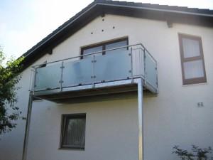 Balkone_Balkongelaender_Glasfuellung_00024