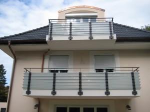 Balkone_Balkongelaender_Glasfuellung_00025
