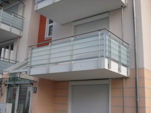 Balkone_Balkongelaender_Glasfuellung_00031