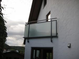 Balkone_Balkongelaender_Glasfuellung_00034