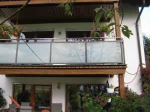 Balkone_Balkongelaender_Glasfuellung_00035