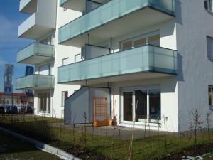 Balkone_Balkongelaender_Glasfuellung_00039