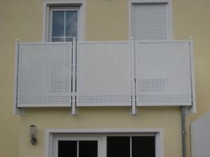 Balkone_Balkongelaender_Lochblechfuellung_00011