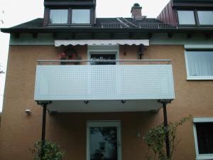Balkone_Balkongelaender_Lochblechfuellung_00014