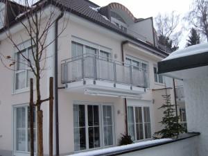 Balkone_Balkongelaender_Lochblechfuellung_00016