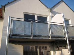 Balkone_Balkongelaender_Lochblechfuellung_00022