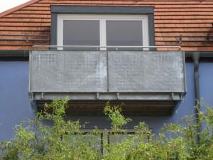 Balkone_Balkongelaender_Lochblechfuellung_00023