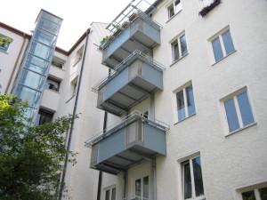 Balkone_Balkongelaender_Lochblechfuellung_00025