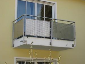 Balkone_Balkongelaender_Lochblechfuellung_00028