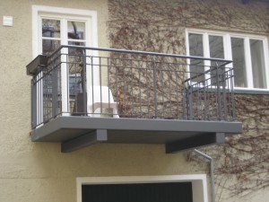 Balkone_Balkongelaender_Stabfuellung_pulverbeschichtet_00015