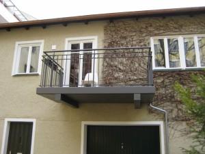Balkone_Balkongelaender_Stabfuellung_pulverbeschichtet_00016