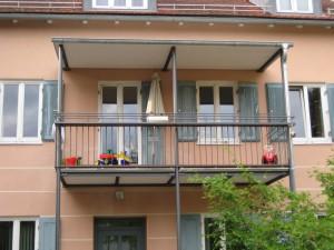 Balkone_Balkongelaender_Stabfuellung_pulverbeschichtet_00018