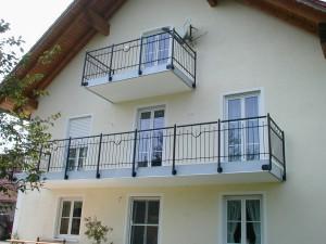 Balkone_Balkongelaender_Stabfuellung_pulverbeschichtet_00024