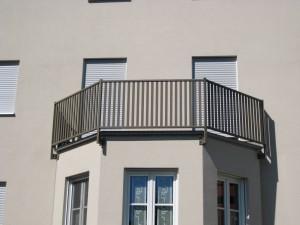 Balkone_Balkongelaender_Stabfuellung_pulverbeschichtet_00058