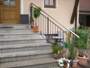 Balkone_Balkongelaender_Stabfuellung_pulverbeschichtet_00061
