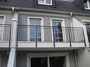 Balkone_Balkongelaender_Stabfuellung_pulverbeschichtet_00062