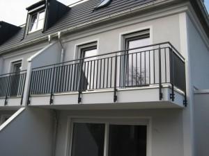 Balkone_Balkongelaender_Stabfuellung_pulverbeschichtet_00063