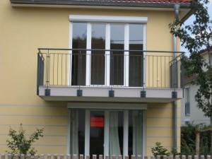 Balkone_Balkongelaender_Stabfuellung_pulverbeschichtet_00072