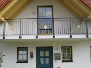 Balkone_Balkongelaender_Stabfuellung_pulverbeschichtet_00074
