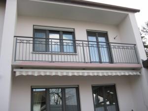 Balkone_Balkongelaender_Stabfuellung_pulverbeschichtet_00097