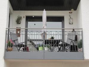 Balkone_Balkongelaender_Stabfuellung_pulverbeschichtet_00103
