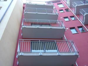 Balkone_Balkongelaender_Stabfuellung_pulverbeschichtet_00107