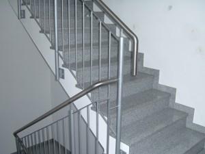 Treppengelaender_Senkrechte_Staebe_00021
