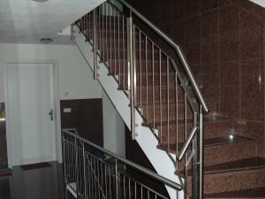 Treppengelaender_Senkrechte_Staebe_00025
