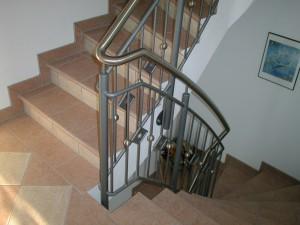 Treppengelaender_Senkrechte_Staebe_00040