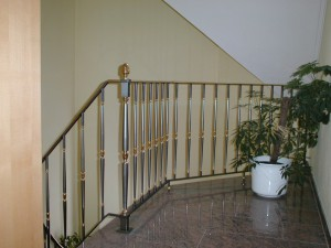 Treppengelaender_Senkrechte_Staebe_00043