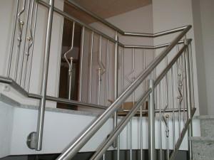 Treppengelaender_Senkrechte_Staebe_00057