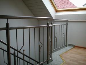 Treppengelaender_Senkrechte_Staebe_00058
