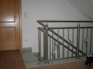 Treppengelaender_Senkrechte_Staebe_00059