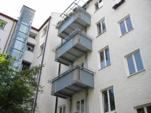 Balkone_Balkongelaender_Trespafuellung_00007