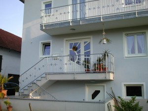 Balkone_Balkongelaender_Stabfuellung_verzinkt_00017
