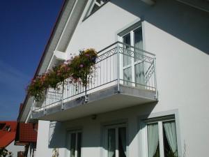 Balkone_Balkongelaender_Stabfuellung_verzinkt_00025