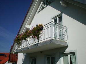 Balkone_Balkongelaender_Stabfuellung_verzinkt_00026